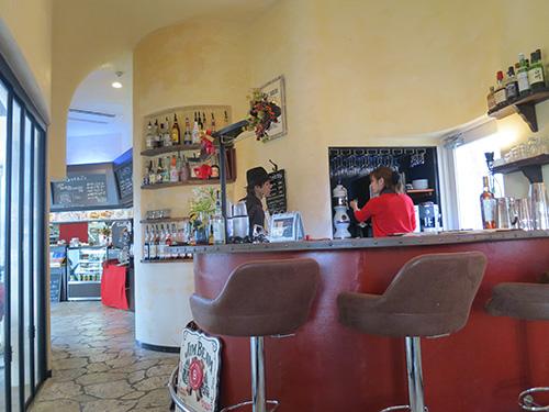 沖縄北谷のカフェ Little Janosz(リトルジャノス) こじんまりしてるけど居心地がいい