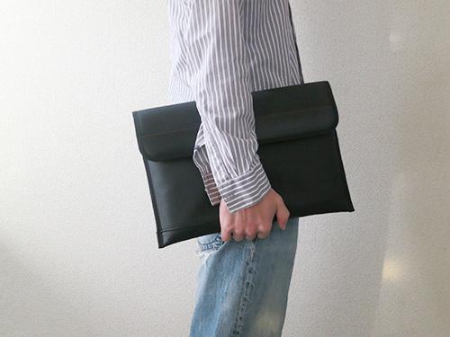 ThinkPad X240s/X240/X230 プレミアムケースを持ってみる
