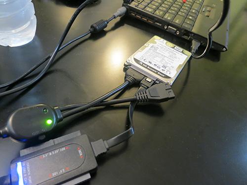 壊れたパソコンのHDDからデータ移行をするケーブル