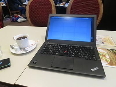喫茶ルノアールでWIFI中 ThinkPad X240s