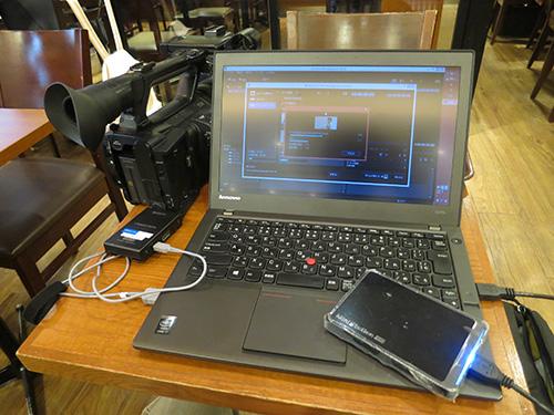 12.5型のThinkPadX240sは小さな机でも効率的に作業が出来る