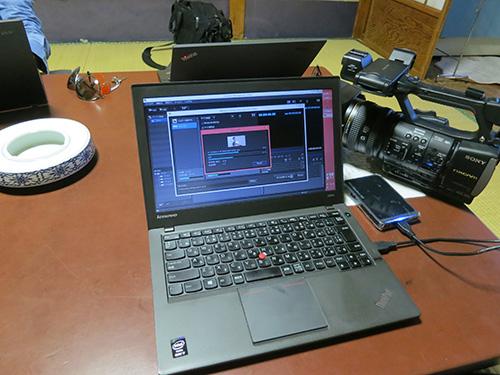 ThinkPad X240sで動画編集中