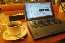 カフェでThinkPad X240