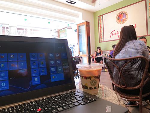 アラモアナショッピングセンター内のホノルルコーヒー