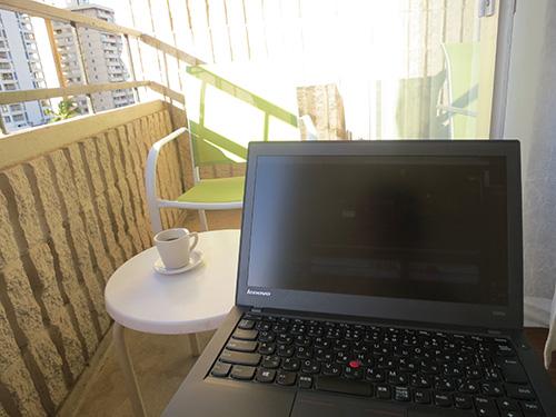 ラナイ(ベランダ)でコーヒータイム&お仕事