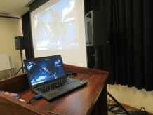 ThinkPad X240 をプロジェクタにつなげて映画上映会