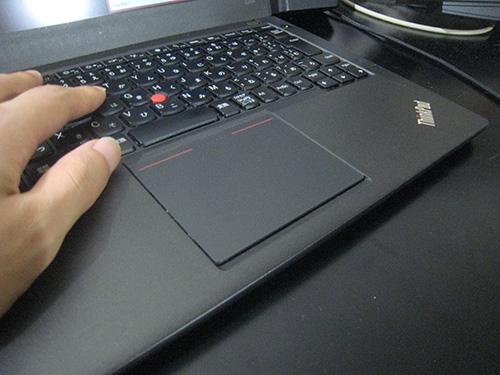 ThinkPad X240sのパームレストはきもちいい