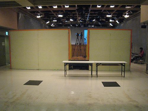 スタジオアルタ ひな壇のうしろから