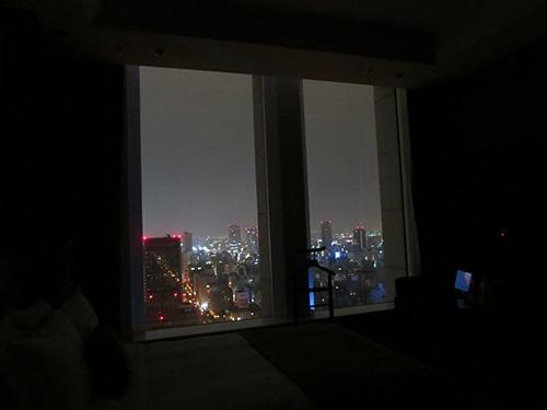 セントレジス大阪26階からの夜景