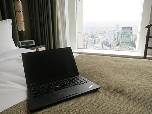 セントレジス大阪 26階の眺めを見下ろしながらインターネット
