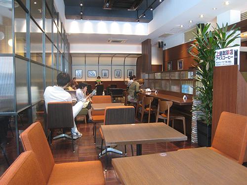 渋谷の上島珈琲は天井が高くて空いている