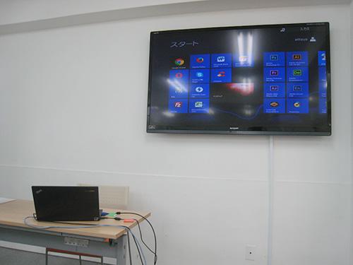 ThinkPad X240sを外部モニタにつなげてマルチディスプレイ セミナー
