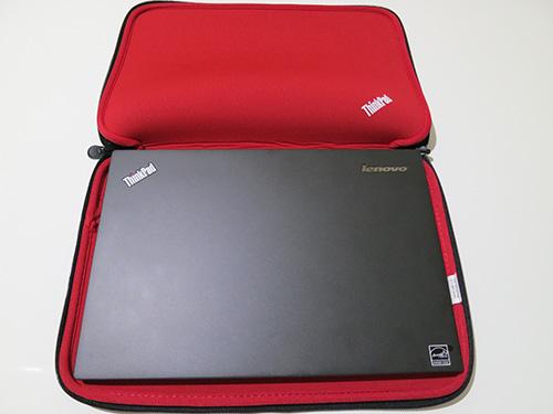 ThinkPad 13インチスリーブケース X240sを置いてみる