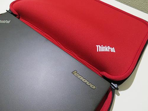 ThinkPad 13インチスリーブケース 開いてアップ