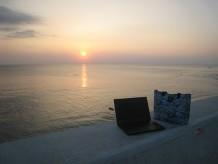 沖縄 砂辺(宮城海岸)のサンセットとThinkPad X240s