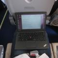 ノートパソコン(ThinkPad X240s) を飛行機内に持ち込んで作業してみた