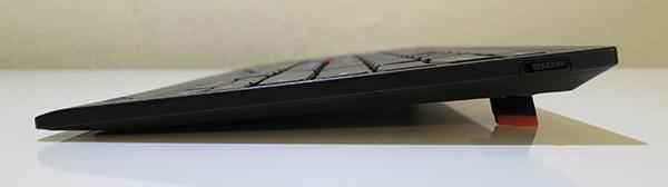 ThinkPad Bluetooth ワイヤレス・トラックポイント・キーボード 斜めになるので打ちやすい