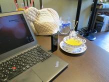 麻布十番のカフェ ムーニで爽やかカモミールと ThinkPad X240s