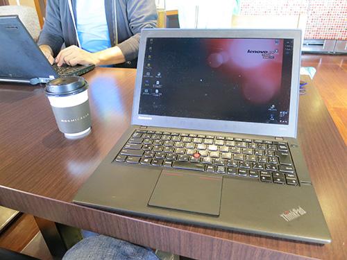 ThinkPad X240sと抹茶ラテ