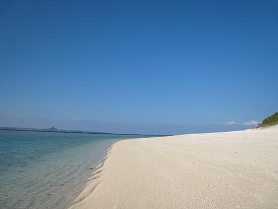 沖縄 瀬底ビーチ