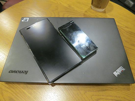 Thinkpad X240sとガラケーと Xperia Z Ultra