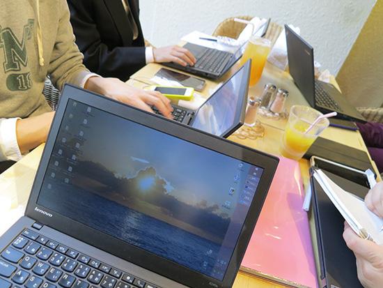 机に5台のThinkPad X240とX240s