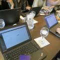 Thinkpadが8台集まってビジネスミーティング