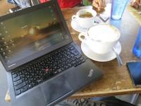 メルローズのカフェでThinkPad X240sとカプチーノ
