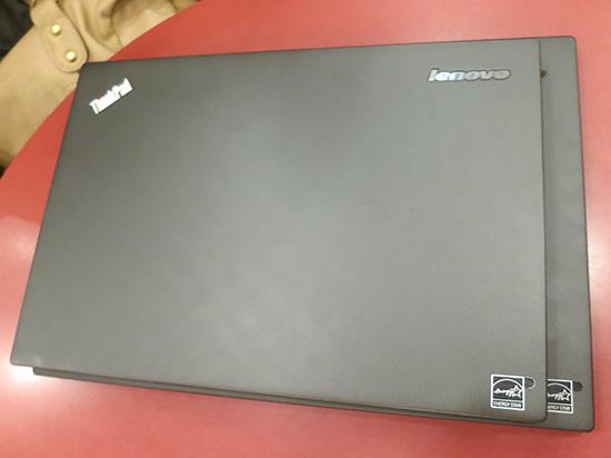 ThinkPad X250 とX1carbon 重ね合わせる