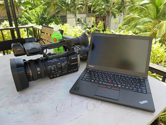 ワイキキ、ビーチコマーのプールサイドでThinkPad X250とHXR-NX3
