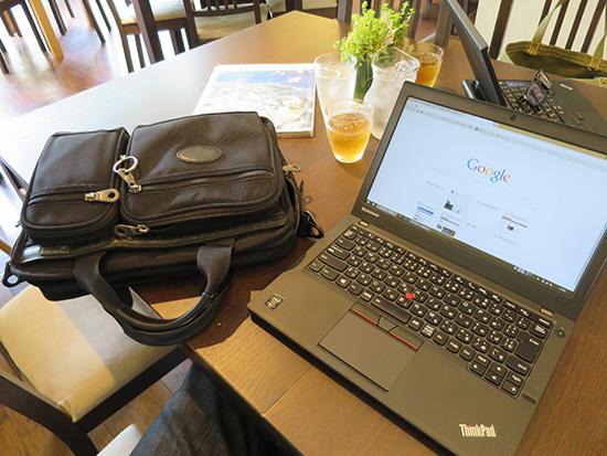 ThinkPad X250はA4サイズのバッグにぴったり入る