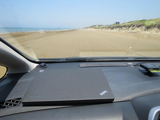 5月下旬の千里浜なぎさドライブウェイは海辺を独り占め状態でした