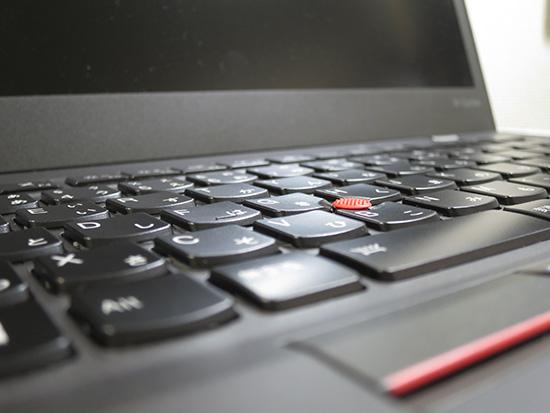 ThinkPad X1 Carbon 2015 トラックポイントに隣接するキーのストロークが若干短い