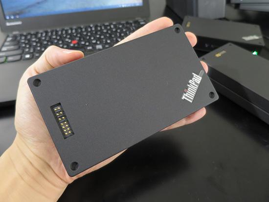 ThinkPad Stack 10000mAh パワーバンク手のひらサイズでコンパクト