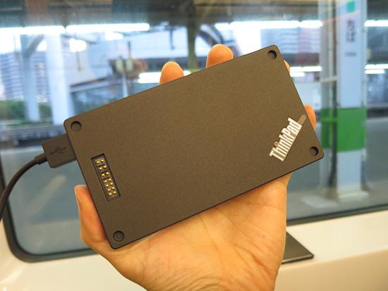 ThinkPad Stack パワーバンクは10000mAhの大容量だけどコンパクトサイズ