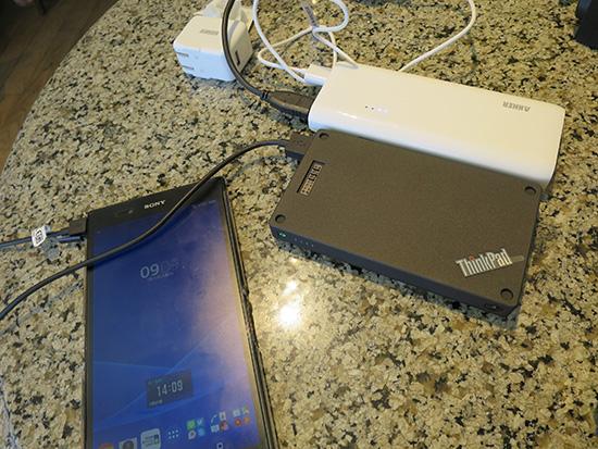 ThinkPad Stack 10000mAh パワーバンクとAnker Astro E4 第2世代 13000mAh