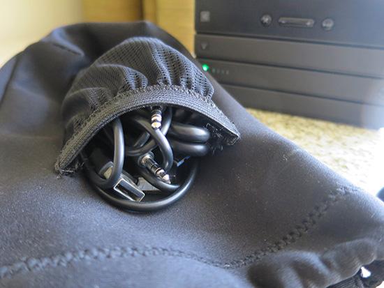 ThinkPad Stack 純正ケースにはポケットがついている