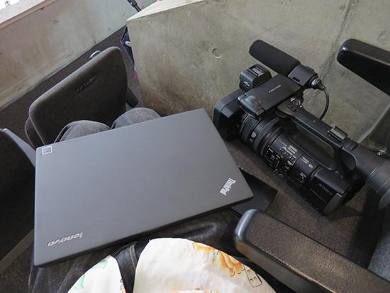 SONY HXR-NX3の相棒はThinkPad X250
