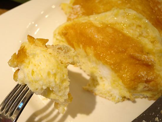むさしの森珈琲ふわっとろパンケーキ ふわふわしてるけど甘い・・・