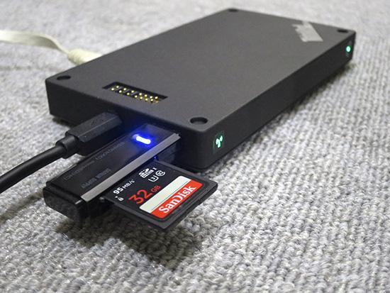 ThinkPad Stack ワイヤレスルーターのUSB端子にカードリーダを挿してみる