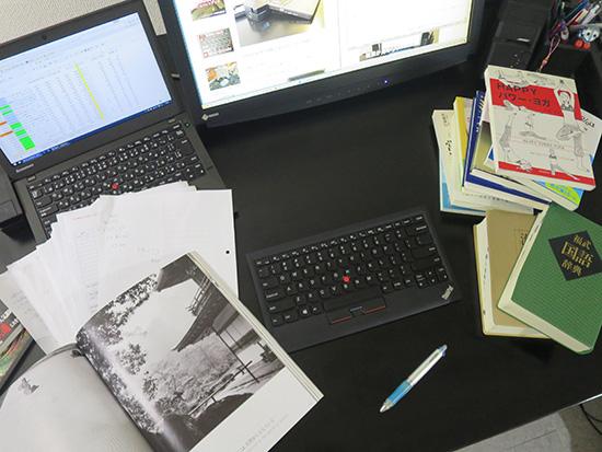 ThinkPad ワイヤレス トラックポイントキーボード 机を広く使える