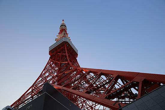 東京タワーの真下に到着