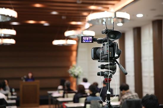 SONY HXR-NX3でセミナー撮影中