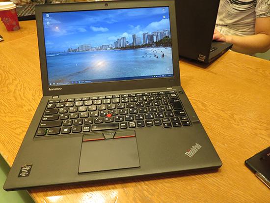 ThinkPad X250とほとんど外観は変わらないThinkPad X260