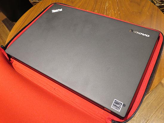 ThinkPad X250のケースには13インチワイドリバーシブルスリーブケース