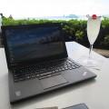 Thinkpad X250とシャンパンで乾杯