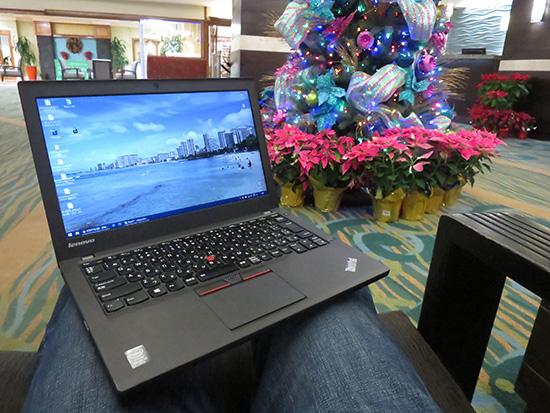 膝の上でも快適な使い心地ThinkPad X250