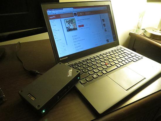 ThinkPad X240sとamazonプライムミュージックをThinkPad Stack bluetoothスピーカーで再生中