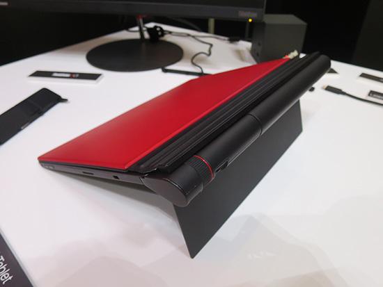 ThinkPad X1 Tabletにプレゼンターモジュールを取り付けたところ