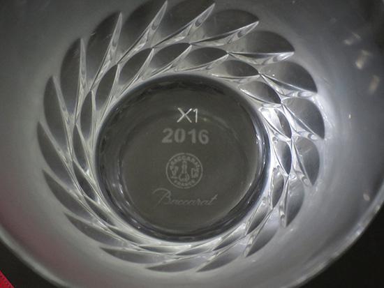 バカラの底面にはX1の刻印が